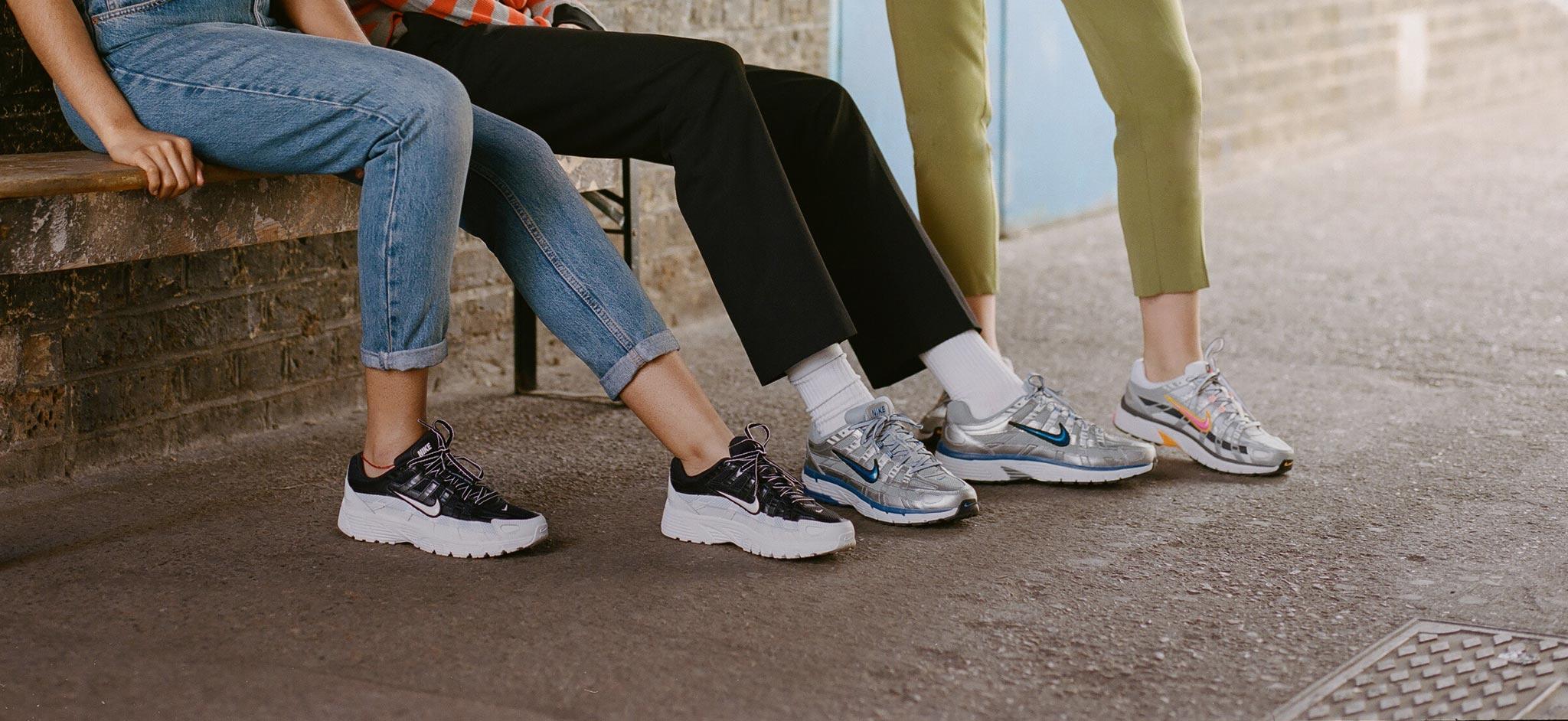 outlet store d85ab 101d6 size    Shop Sneakers, Tøj   Tilbehør   Trainers, T-Shirts, Jakker ...