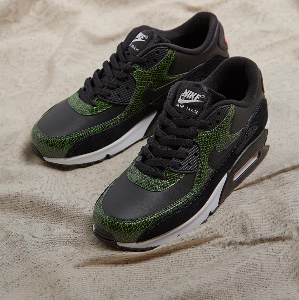 promo code 61cd7 a2e65 size? | Shop Sneakers, Tøj & Tilbehør | Trainers, T-Shirts, Jakker ...