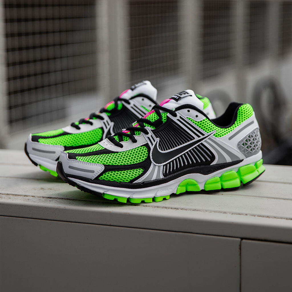 detailed look 552f2 6dbb5 Nike Zoom Vomero 5